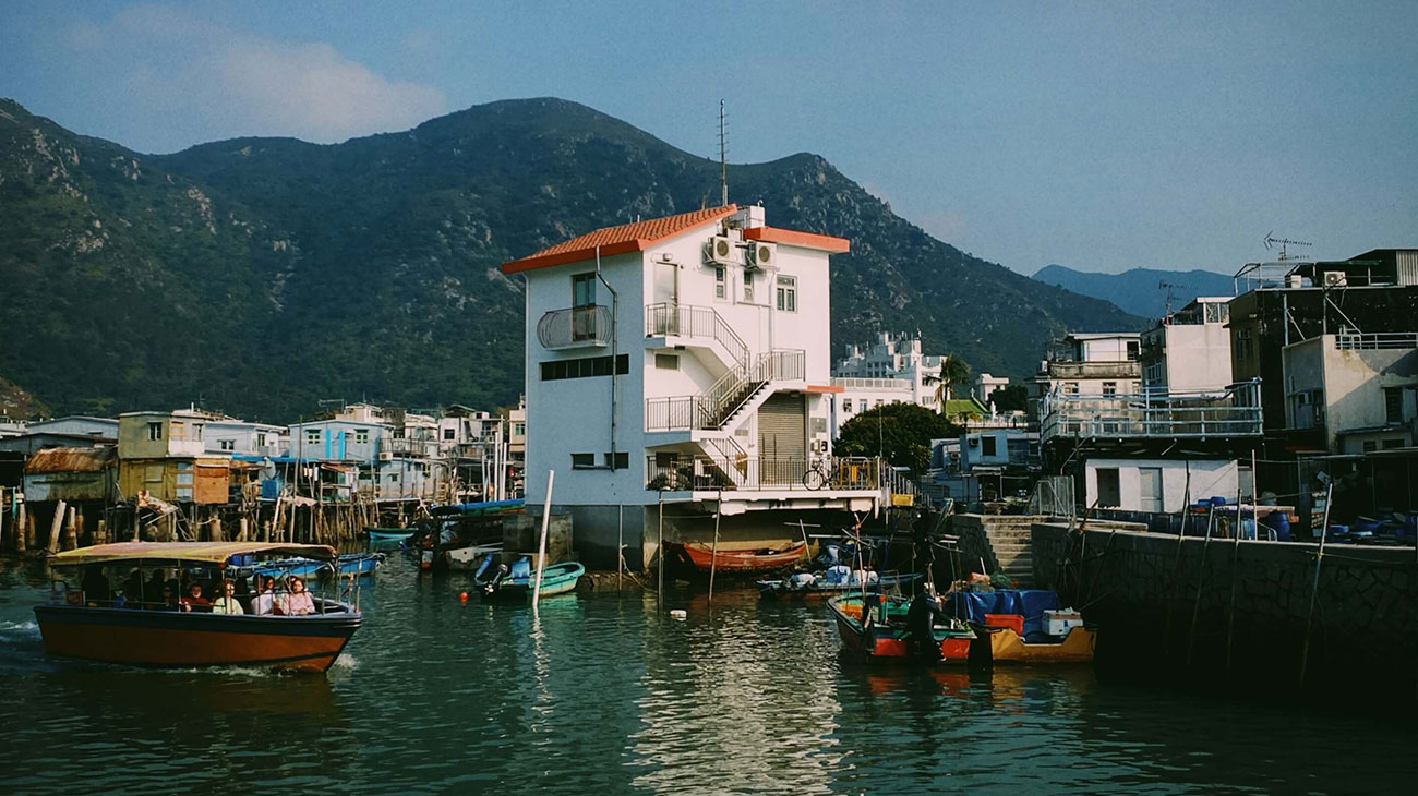 https://hkow.hk/wp-content/uploads/2019/11/tai-o-village-stilt-house.jpg